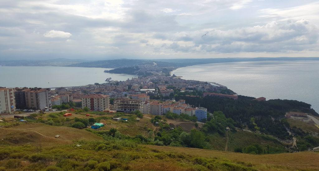 Синоп - это единственный город в Турции, который омывается Черным морем сразу с двух сторон