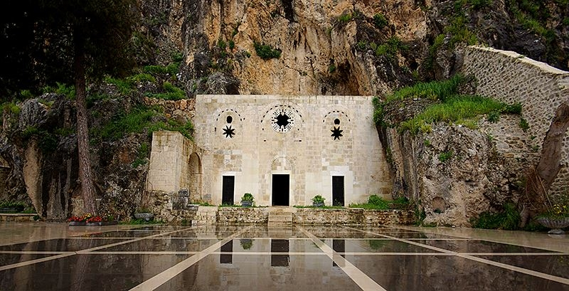 Высеченная в скале церковь св. Петра