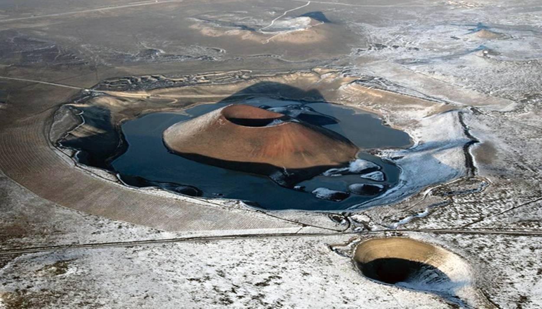 Озеро в кратере вулкана Меке, провинция Конья