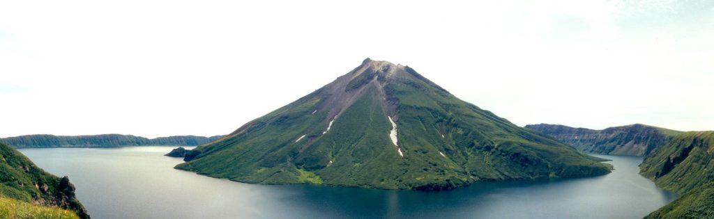 """""""Родной брат"""" вулканического озера Меке находится на Курильских островах"""