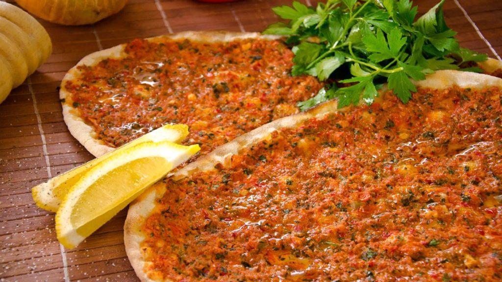 "Лахмаджун или ""турецкая пицца"""
