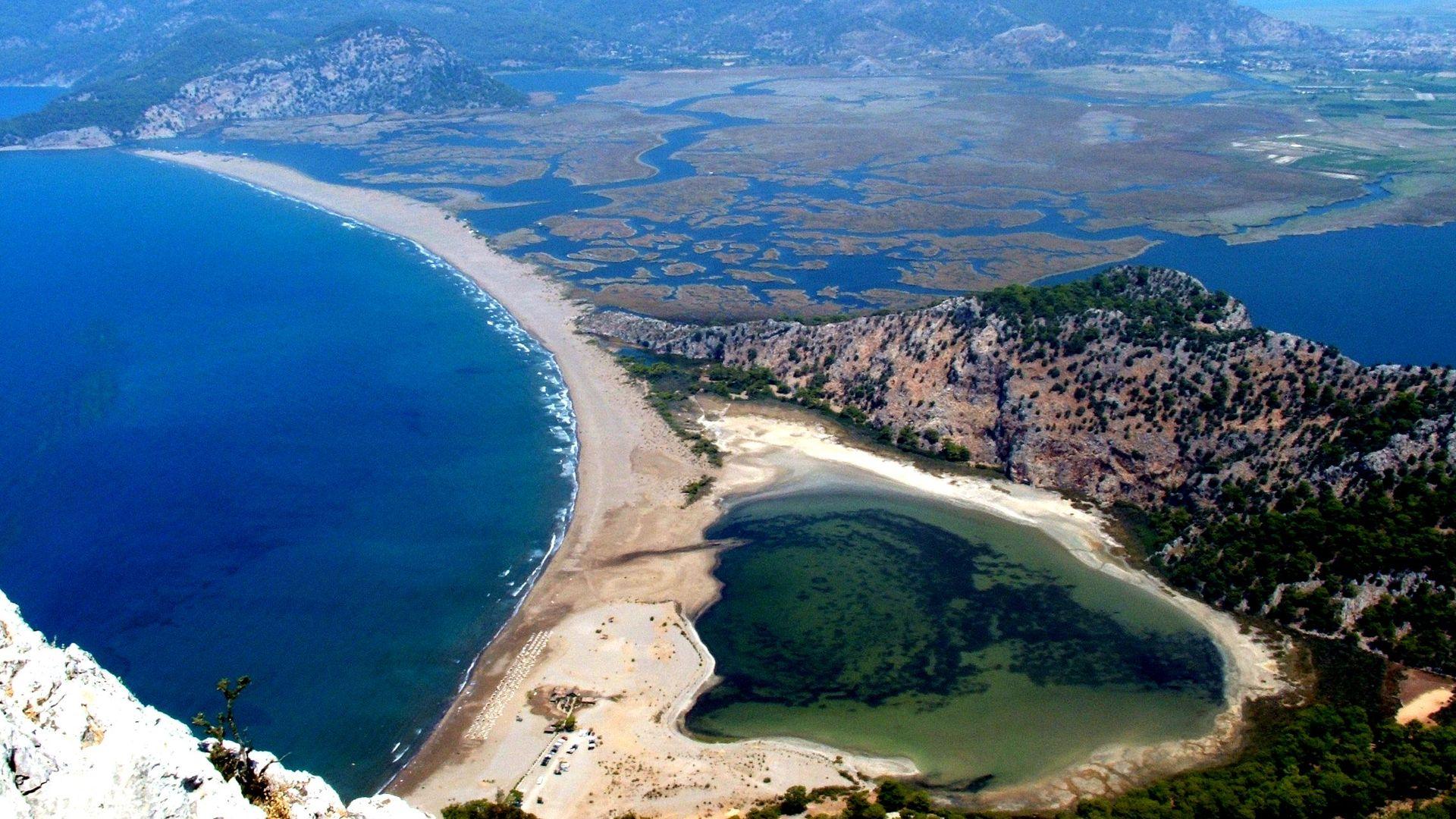 Пляж Изтузу и дельта реки Дальян