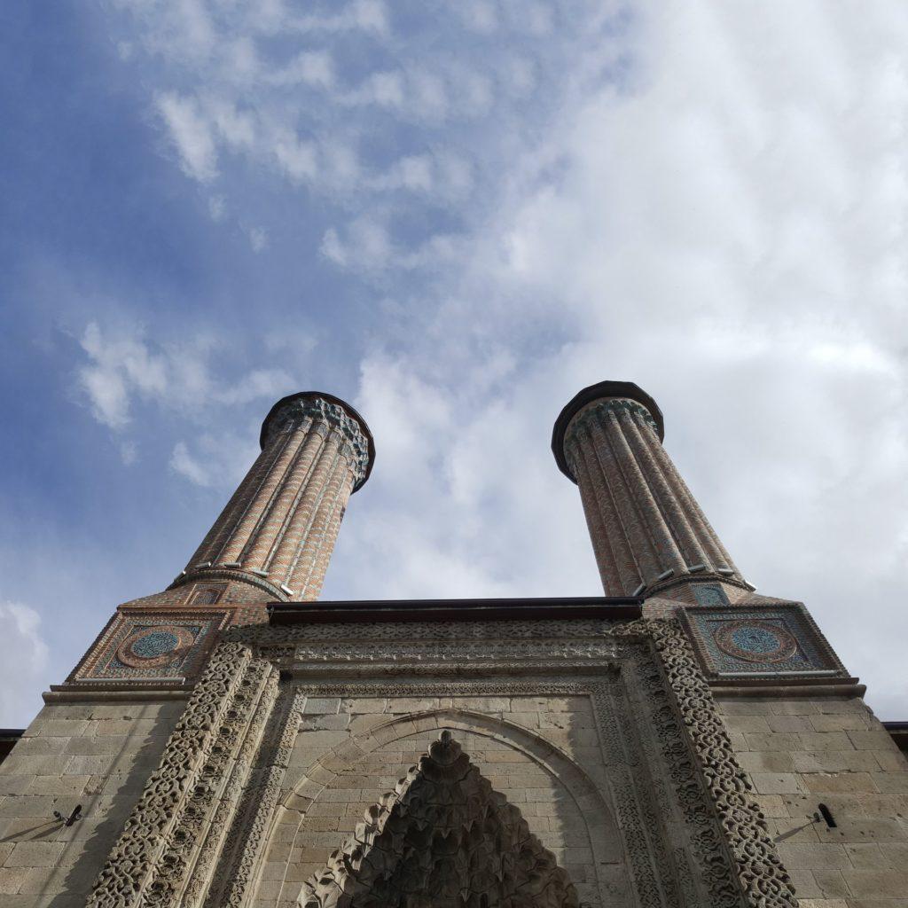 Медресе о двух минаретах (Хатунье) в Эрзуруме
