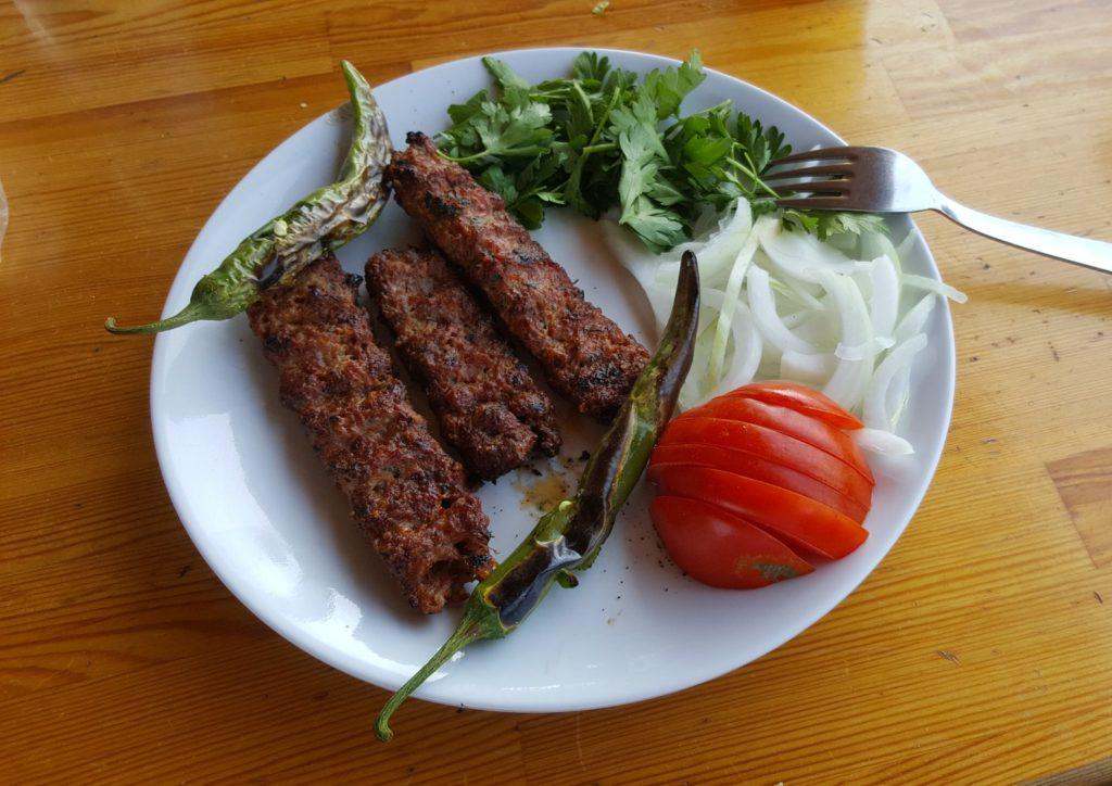 Турецкий кебаб: вкусное погружение в мир мясных изысков Востока