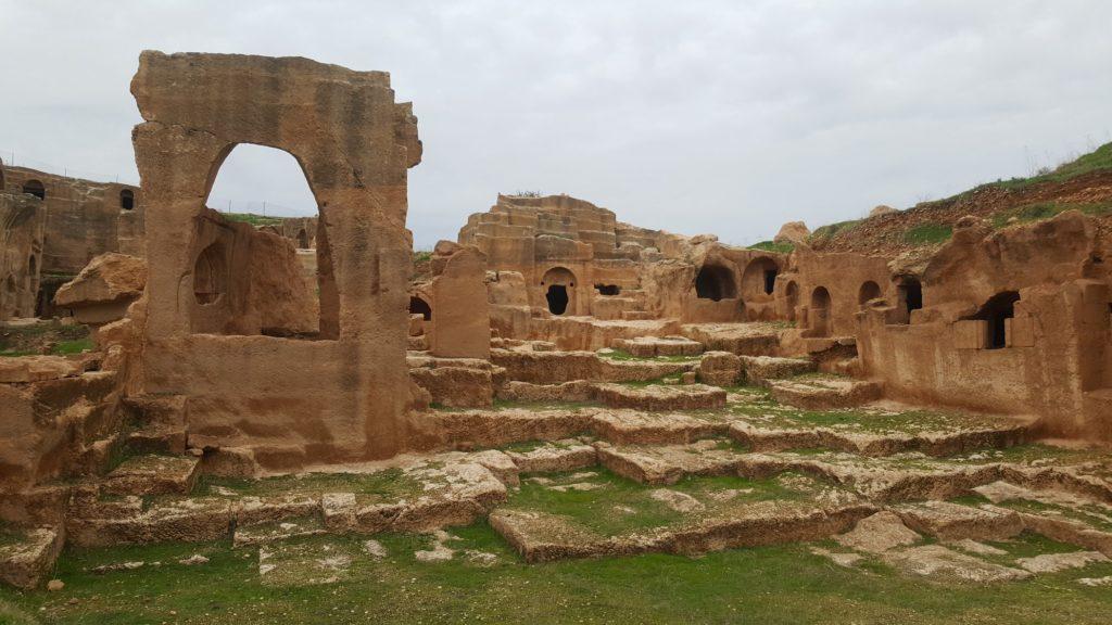 Некрополь античного города Дара в окрестностях Мардина