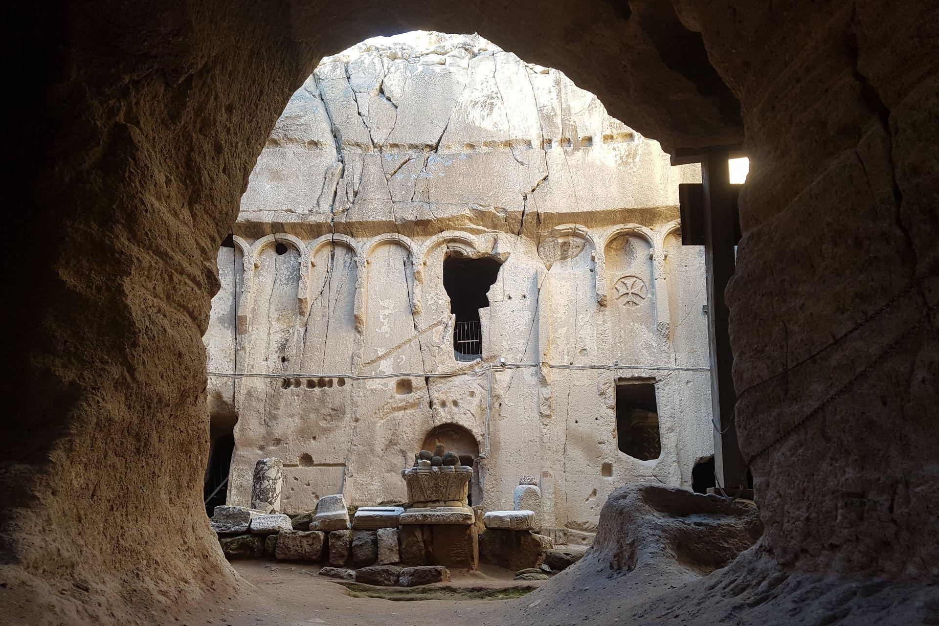 Монастырь Гюмушлер в южной Каппадокии